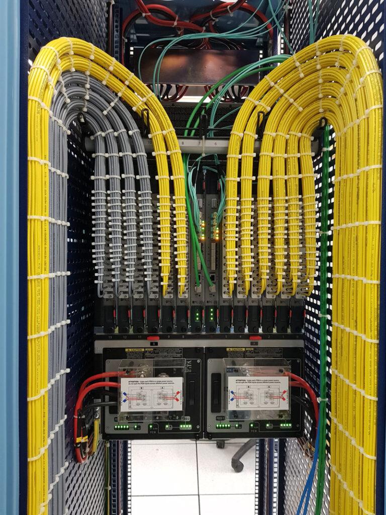 עבודות חשמל במוקדי שידורים